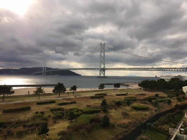 明石大橋が目の前で季節折々の景色が楽しめます!